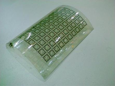 O folie plexibila bazata pe arseniura de galiu folosita in realizarea celulelor solare.
